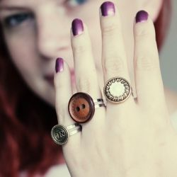 Upcycle your old buttons and turn them into these easy to make pretty rings!