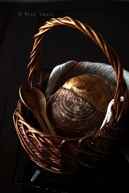 ? Food photography styling still life Basket of bread Pain de Campagne ??????