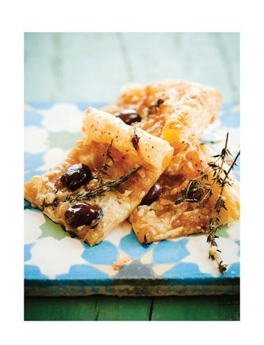 caramelized onion & thyme tart