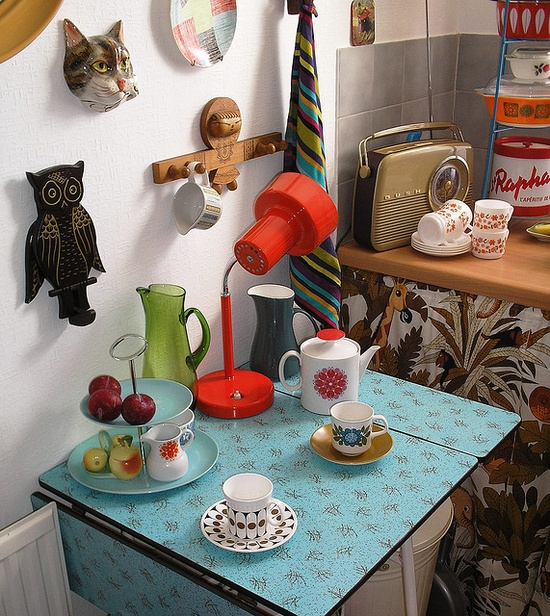 Formica table and kitchen scene, by Casper James on Flickr