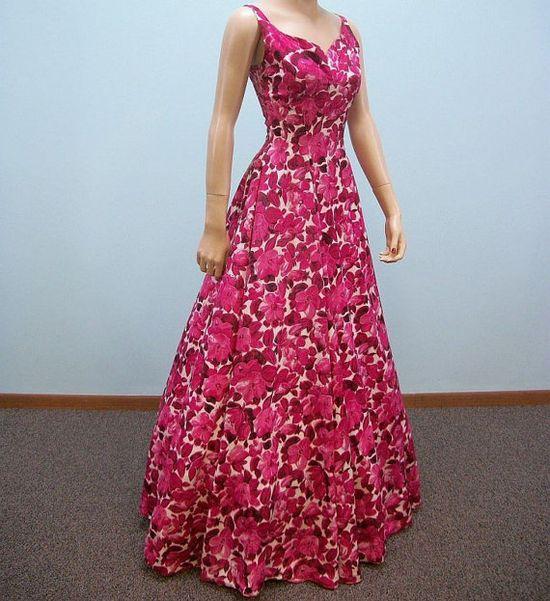 Vintage 1940s rose pink floral print gown.