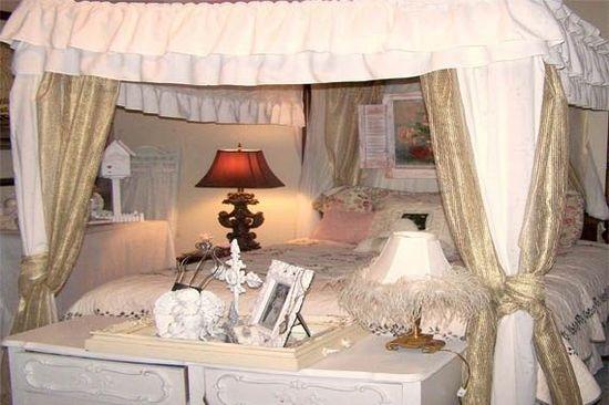 White Shabby Chic Bedroom Image 188 - id - ideasforho.me/... -  #home decor #design #home decor ideas #living room #bedroom #kitchen #bathroom #interior ideas
