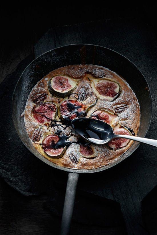 figs, chocolate, pan
