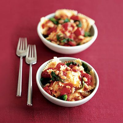 ravioli with tomatoes, white beans and escarole