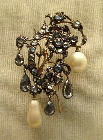 Lower spray aigrette  Diamond silver and gold foliate settings and pearl drops, Italian mid 18th c