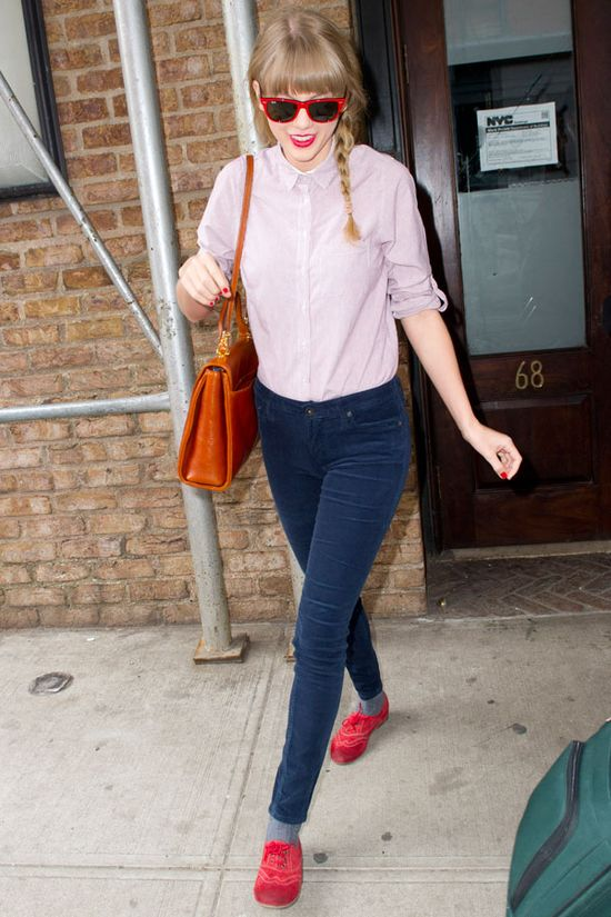 Our Favorite Back-to-School Outfit Ideas from Celebs: Taylor Swift