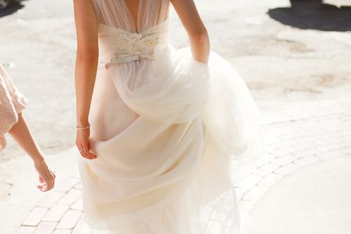 wedding dress - flowy ?