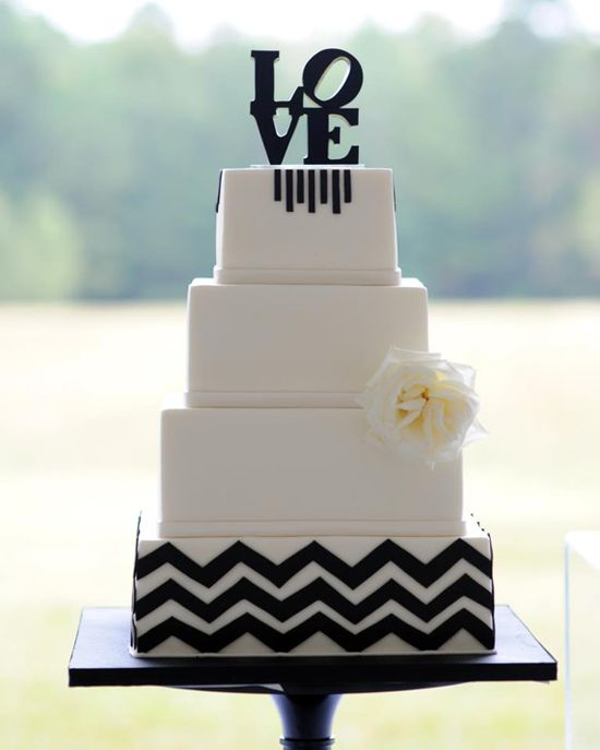 Wedding cake... #Black #white #wedding ... Wedding #ideas for brides, grooms, parents & planners ... itunes.apple.com/... … plus how to organise an entire wedding, without overspending ? The Gold Wedding Planner iPhone #App ?