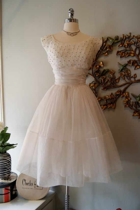 Wedding Dress / 50s Wedding Dress / Vintage 1950s by xtabayvintage, $398.00