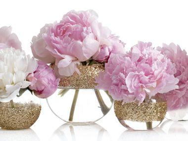 diy sparkling vases (via @Style Me Pretty)