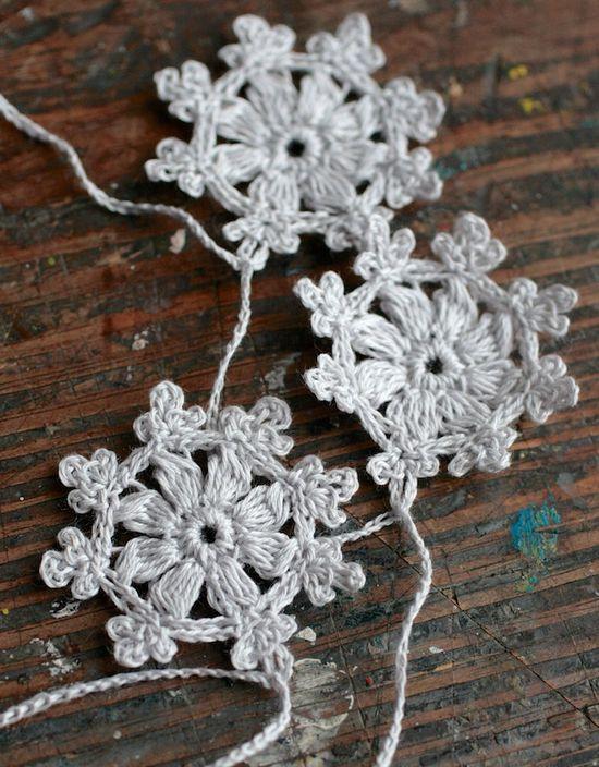 Crochet Garland - Small Doily Bunting -- Snowflake garland. by namolio