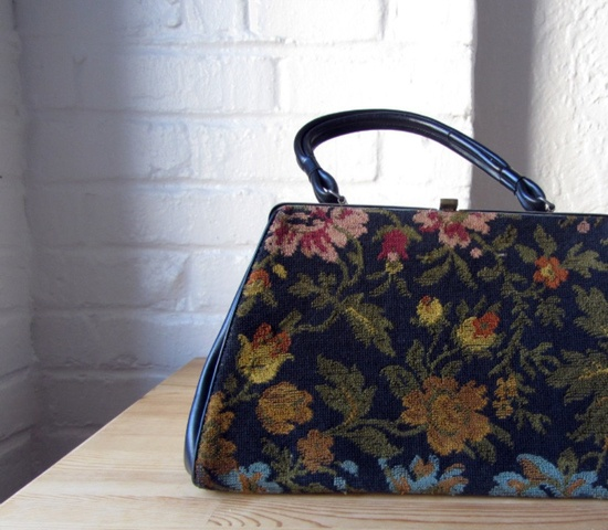 Needlepoint purse . 60s tapestry bag . 1960s floral carpet handbag.