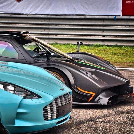 Aston Martin One-77 vs Pagani Zonda R