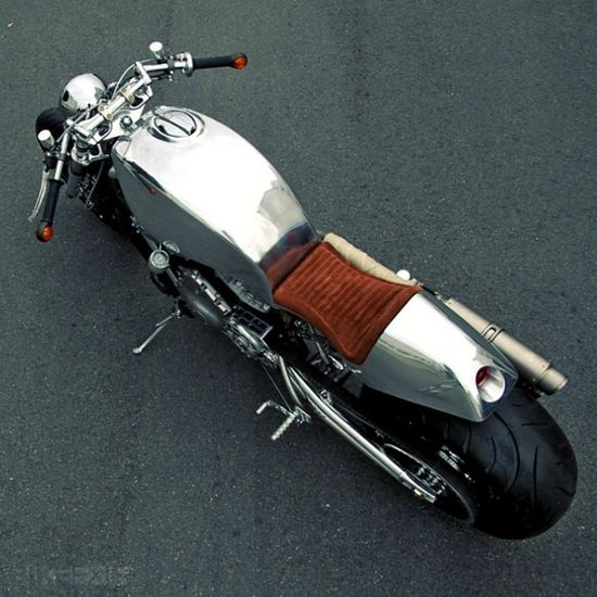 Dr Mechanik rare Harley V-Rod cafe racer (adapted from a Ducati 916)