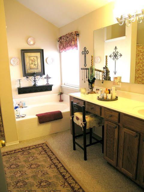 It's A Wannabe Decorator's Life: Before and After: Master Bathroom