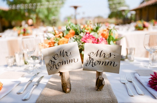 Mr & Mrs place cards ~ simple and adorable.