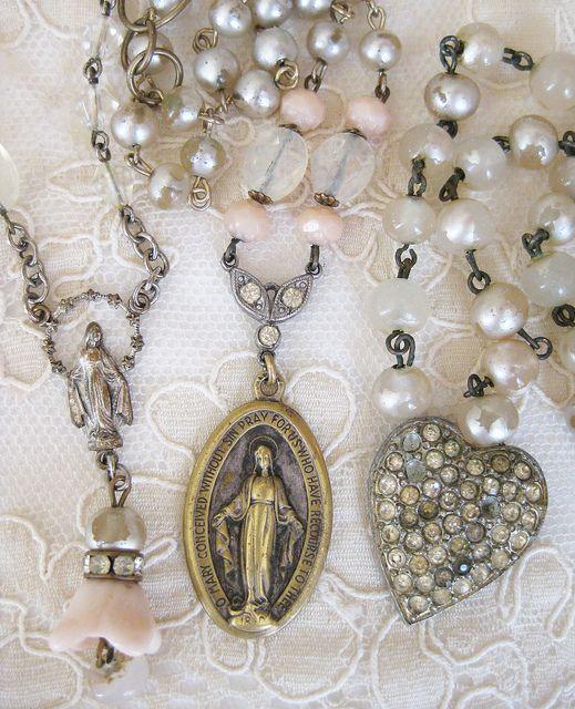 Vintage Trinket Jewelry