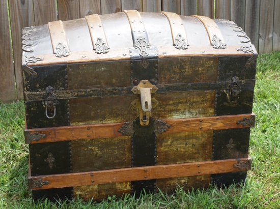 I love old trunks, yes trunks not drunks.