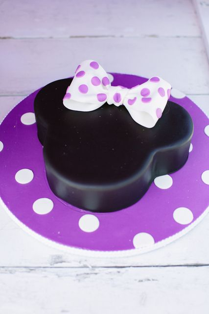 Cake at a Cowgirl Minnie Mouse Party #cowgirl #minniemouse