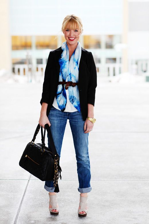 Scarf - belt - cardigan - jeans - heels