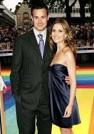 Freddie Prinze Jr and Sarah Michelle Gellar - together since 00; married in 02