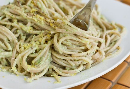 15 minute creamy avocado pasta