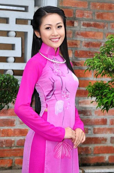 Ao Dai Truyen Thong - TT169 / 1002 years of Thang Long, Hanoi, happy birthday to the capital of Vietnamese :) / aodaihoanguyen.co...