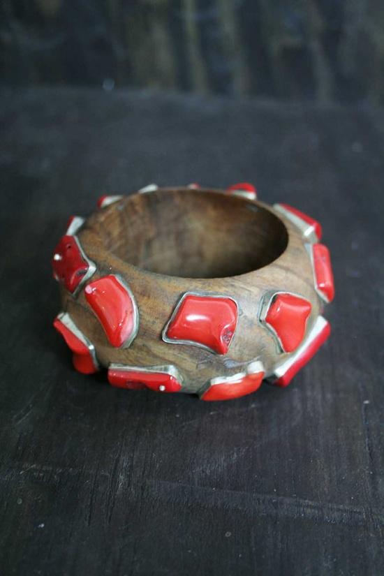 // Coral-studded bangle