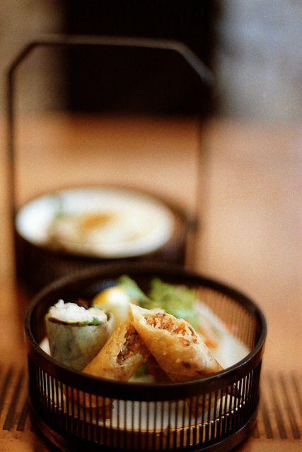 Japanese spring rolls: photo by minato