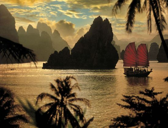 A classic photo of Halong Bay, Vietnam, but there's a reason it's so iconic: it's a gorgeous scene.