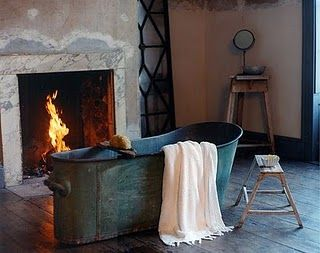 I HAVE BEEN WANTING THIS TUB SINCE 1990!!! Shabby Chic Ireland: Romantic Shabby Chic - Bathroom