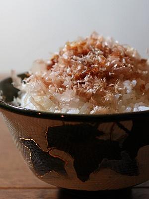 ????? Neko-manma: rice with katsuobushi (dried bonito) shavings