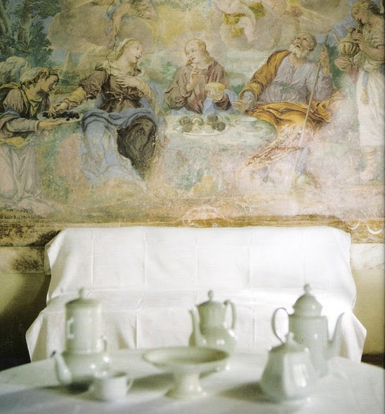 ~linen & lavender: Design Daily - Fresco  A fresco (circa 1700) on the dining room wall of a converted monastery.  I want one! ~L