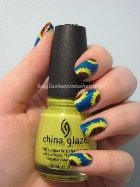 Cute. sunflower nails
