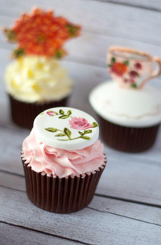 Cupcakes a diario: Cupcakes pintados y mi experiencia con Nevie Pie Cakes