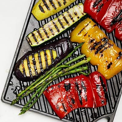 Grilling tips  Start clean. Prevent sticking by beginning with a clean grill and well-oiled vegetables. When you first place vegetables on the grates, resist the urge to shift them around until they're nicely seared and lift off easily. Place the heartier vegetables, like onions and bell peppers, in the hottest spots on the grill. Keep more delicate produce such as tomatoes over places with less heat. Group the food by cooking time so you remember to remove everything from one area all at once.