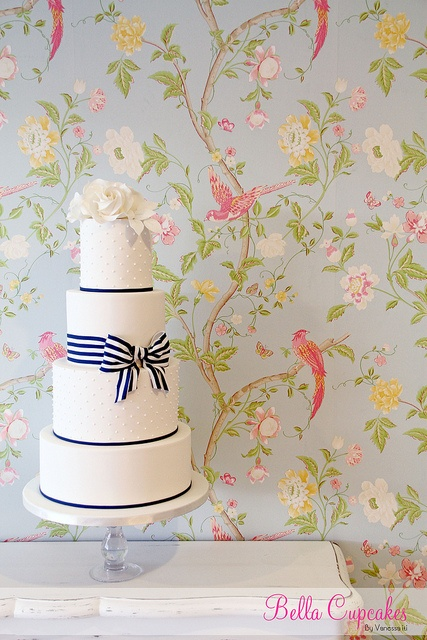 Wedding cake with striped bow