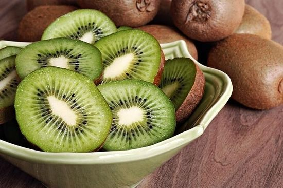 10 Superfoods that help you slim down- love that it included the science as to why.