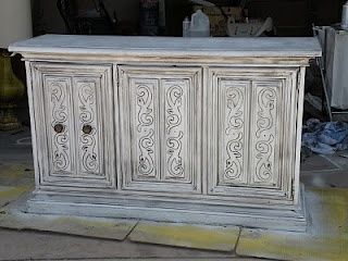 How to spray paint & glaze furniture to refinish it
