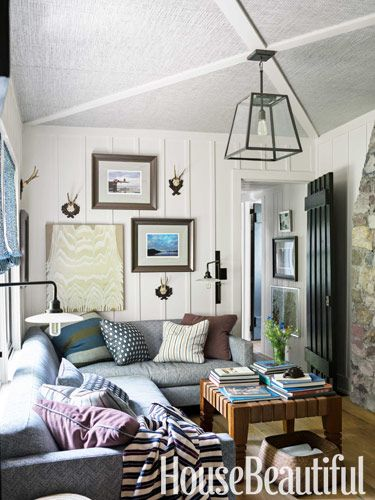 Cozy den hangout. Design: Thom Filicia. housebeautiful.com