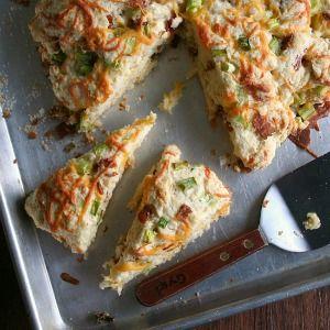 Bacon Cheddar n Green Onion Scones - looks easy enough!