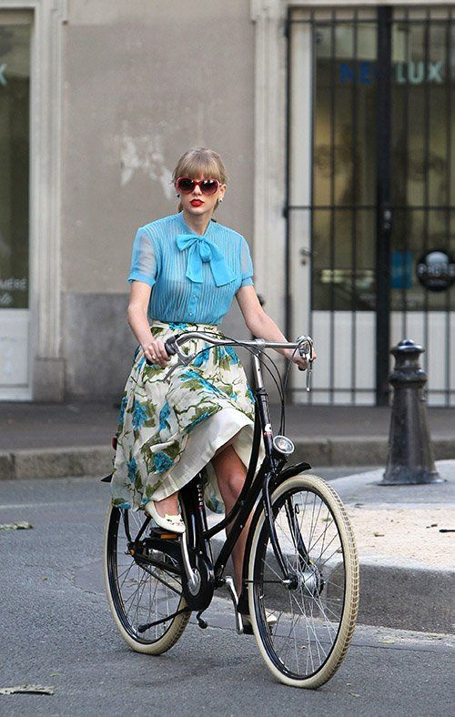 Taylor Swift on a bicycle in Paris