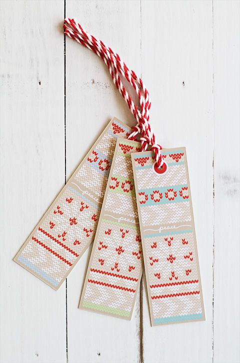 love these free printable 'knit' gift tags! and that chunky bakers twine is awesome!