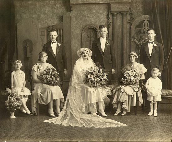 An elegant portrait studio wedding party shot, 1930. #vintage #wedding #bride #groom #dress #1930s