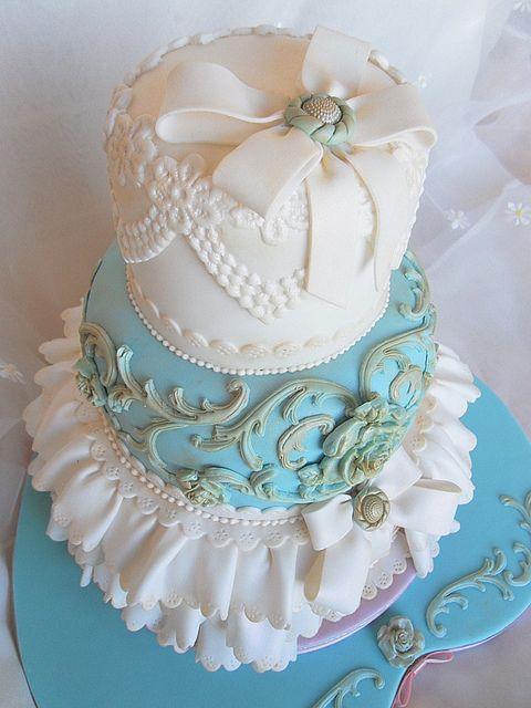 Vintage Wedding cake by deborah hwang, via Flickr