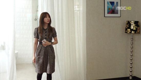 Oral Kiely Gooseberry Silk Twill Collar Dress # k-pop fashion # korean fashion# korean drama fashion