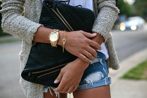"""""""khmissa"""" gold bracelet and thin rings"""