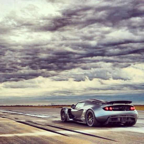 """Hennessey Venom GT broke the world record as """"The Fastest Production Car 0-300"""" hit the pic to see the video!"""