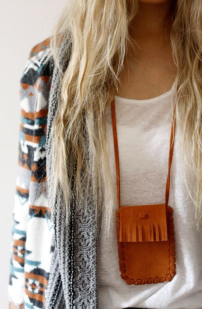necklace/sweater.