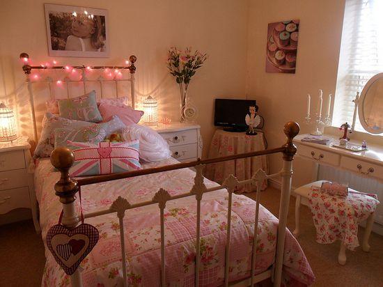 sweet pink girly vintage bedroom